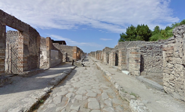 Scavi di Pompei - via Nola
