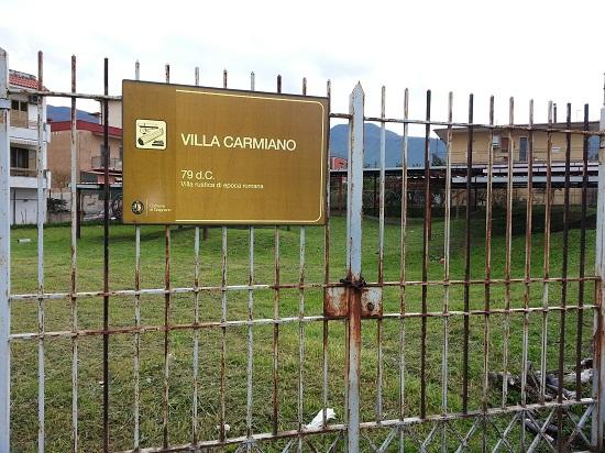 ingresso villa carmiano