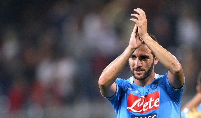 Higuain applausi Napoli