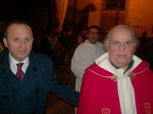 MARIGLIANELLA NA - Il Sindaco Felice Di Maiolo con il Parroco Don Ginetto De Simone