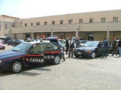 carabinieri_auto_esterno
