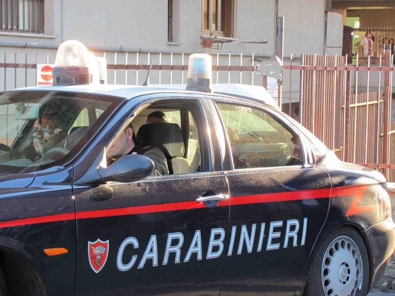 carabinieri arrsto donne