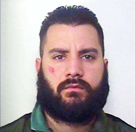 Camorra segno distintivo del gruppo criminale barba for Barba arredamenti vico equense