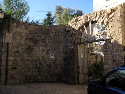 via Talagnano 1 - 12 ottobre 2011