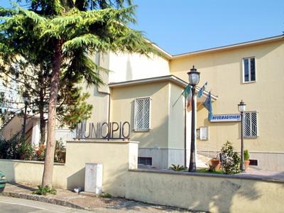 Mariglianella Casa Comunale .jpg