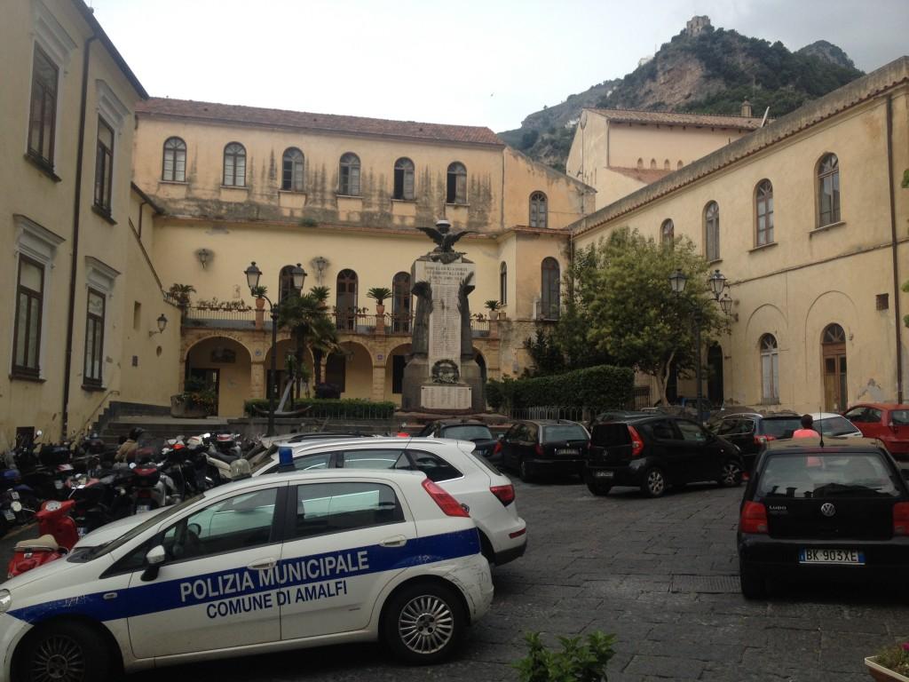 Amalfi, approvato il piano insegne e arredi urbani minori