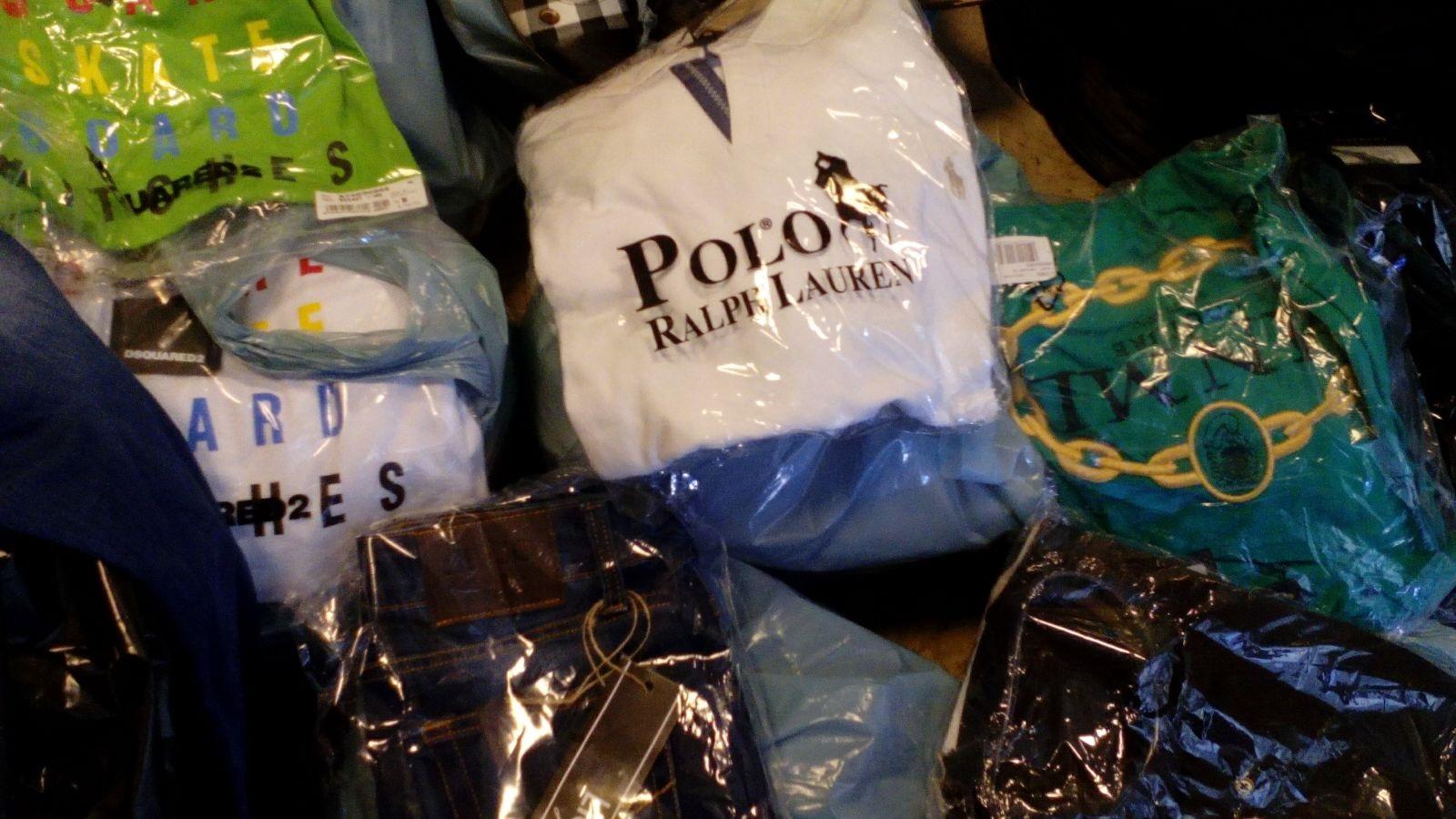 napoli abiti contraffatti