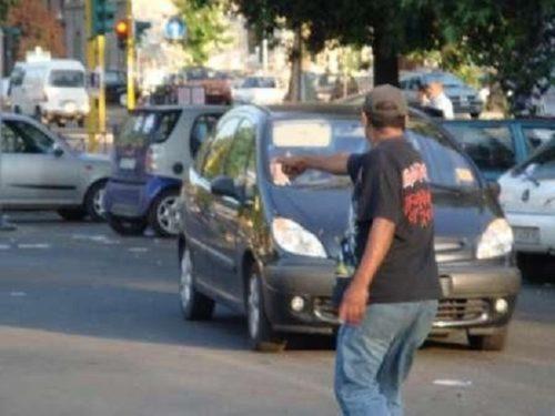 Parcheggiatori-abusivi