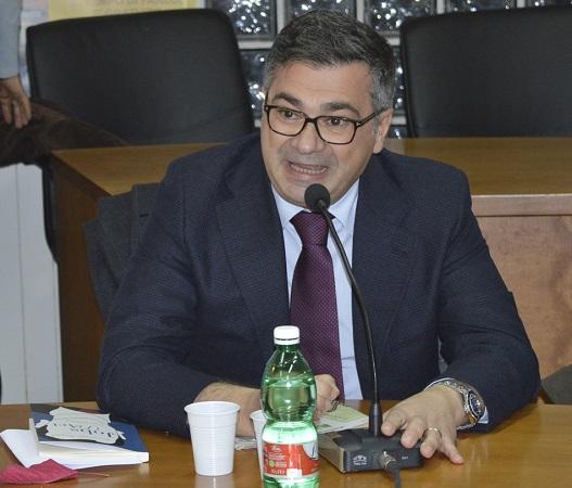 Il sindaco di Brusciano Giosy Romano