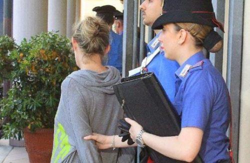 arresto-donna-carabinieri