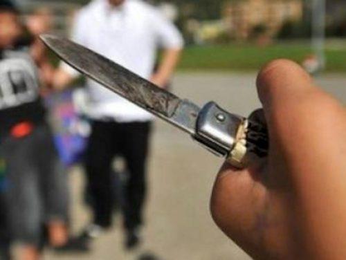 coltello-accoltellato-gang-aggressione