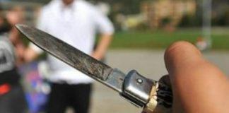 napoli aggressione coltello