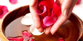 acqua e petali di rose tradizione ascensione