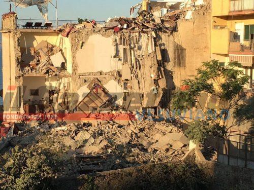 Torre Annunziata palazzo crollato6