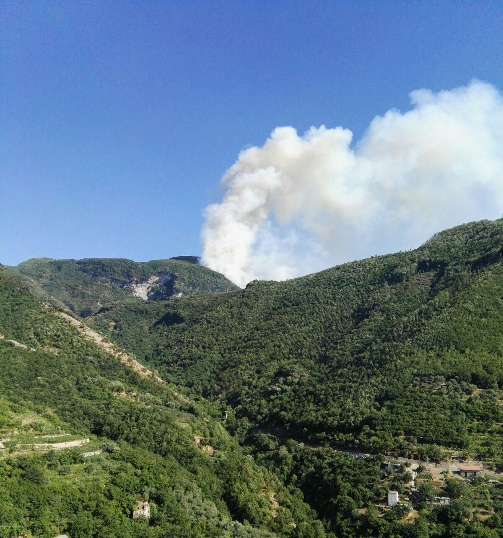 incendi monti Lattari