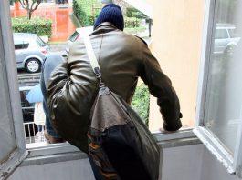 ladro-furto-appartamento