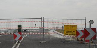strada chiusa per lavori in corso via palma