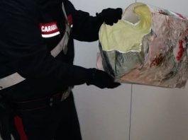 carabinieri arrestato centro commerciale torre annunziata