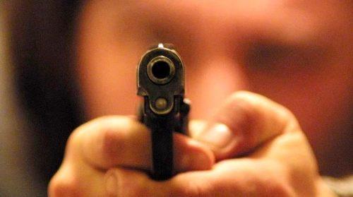 Castellammare, sparatoria nella sala giochi: ferito un 19enne