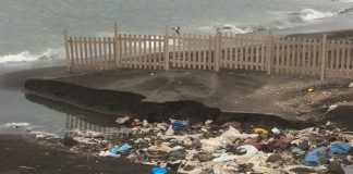 rifiuti litoranea torre del greco spiaggia fusti