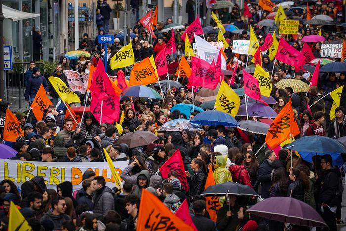 Il corteo dei ventimila da Pompei a Scafati contro la camorra: