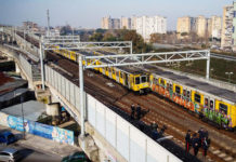 napoli deraglia treno