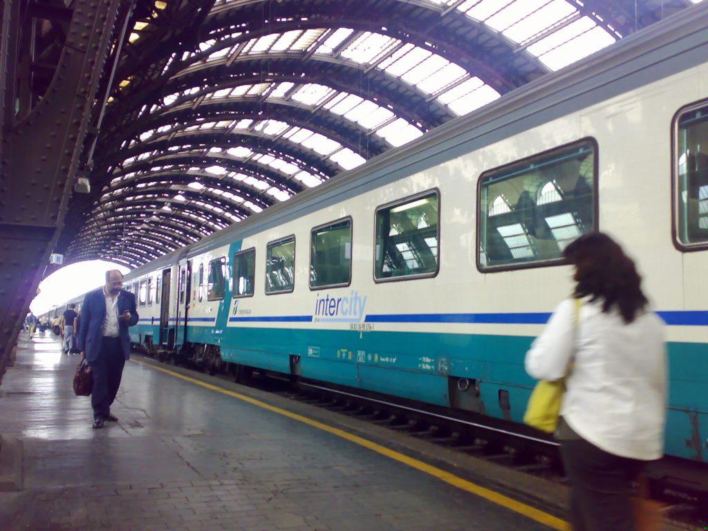 Coronavirus assalto a milano per i treni per il sud prima for Sud arredi nocera superiore