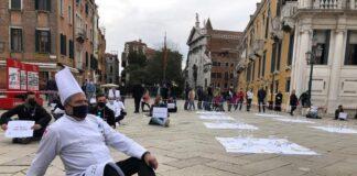 Venezia A Campo Santo Stefano contro il DPCM del Governo italiano