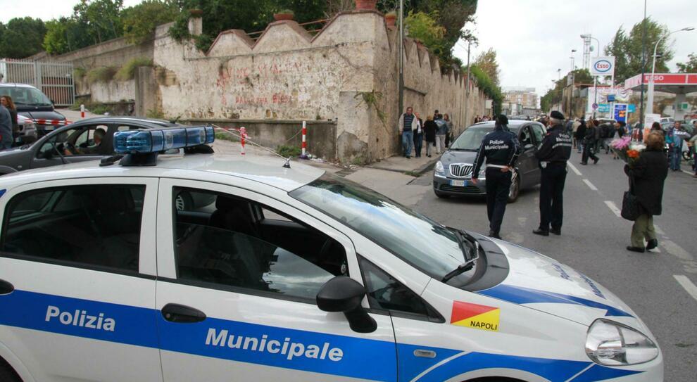 """Polizia Municipale """"categoria a rischio"""". A Napoli 30 agenti positivi al  Covid-19"""