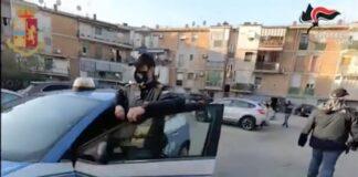 rione traiano napoli carabinieri polizia
