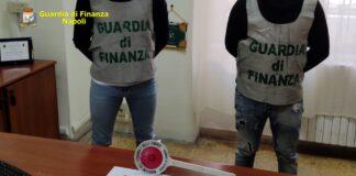 guardia di finanza pistola napoli