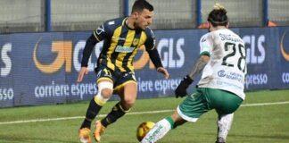 La Juve Stabia perde il derby. Esce sconfitta dal Menti contro l'Avellino. Espulso Mulé