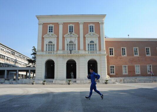 Olimpiadi di Tokyo Il campione italiano in carica della marcia 50 km, Teodorico Caporaso, si allenerà nelle strutture dell'Aeroporto Militare di Capodichino