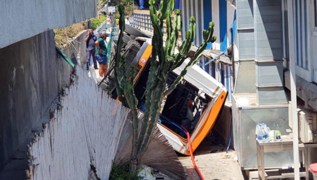 capri minibus incidente